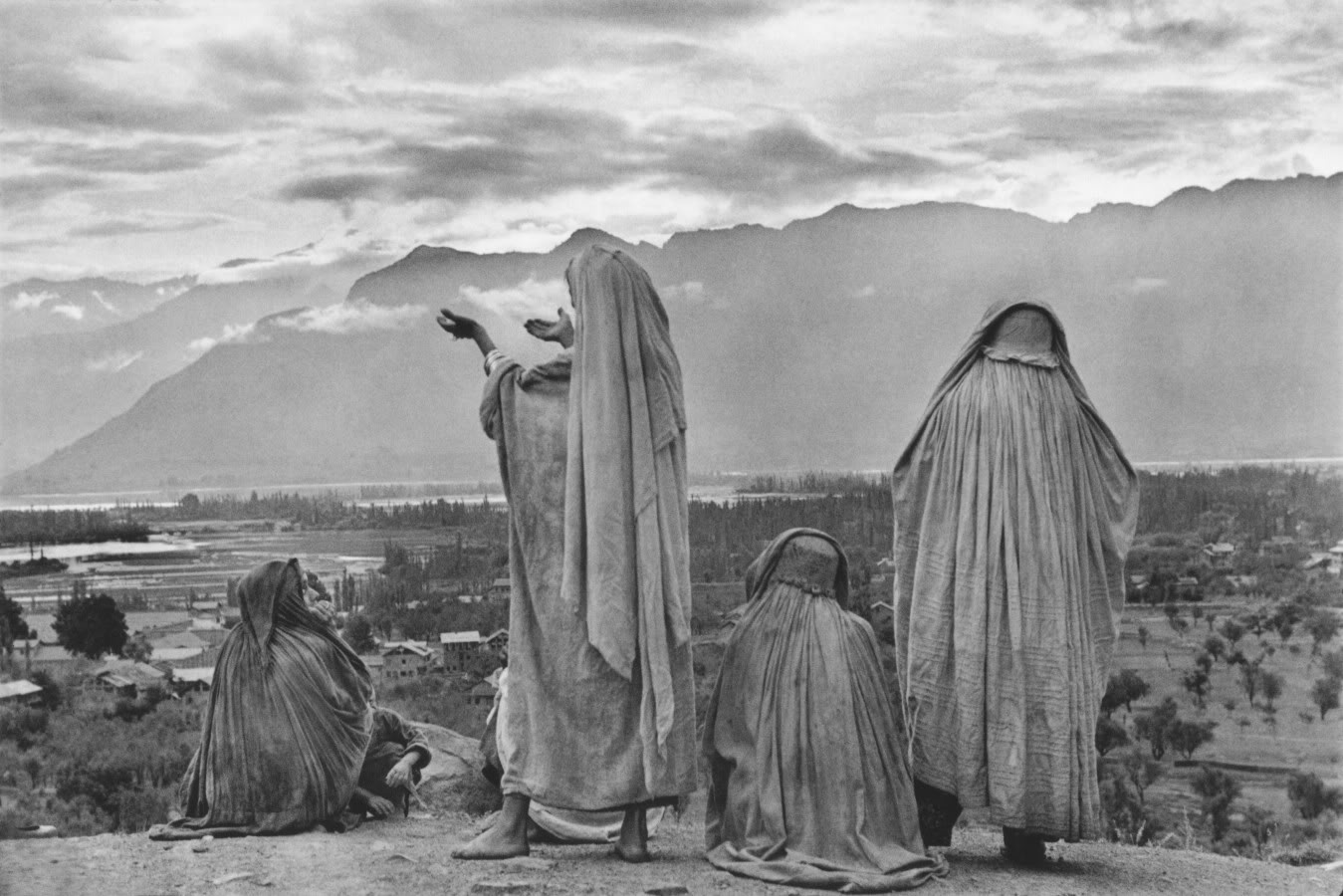 henri cartier bresson Having exhibited at photo london each year since the first edition in 2015, the  gallery's collection of henri cartier-bresson photographs are well-known to the.