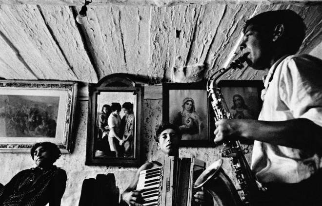 CZECHOSLOVAKIA.-Slovakia.-Velka-Lomnica.-1963.-Gypsies.--660x423