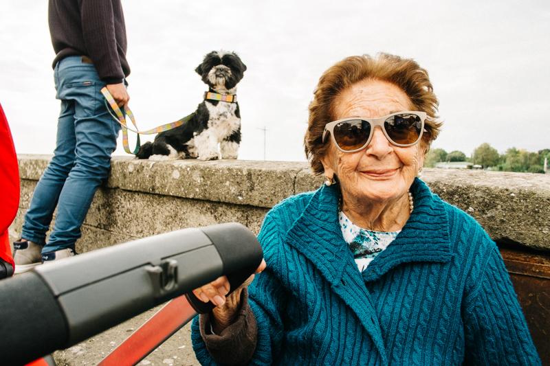 Ariccia woman & dog-1