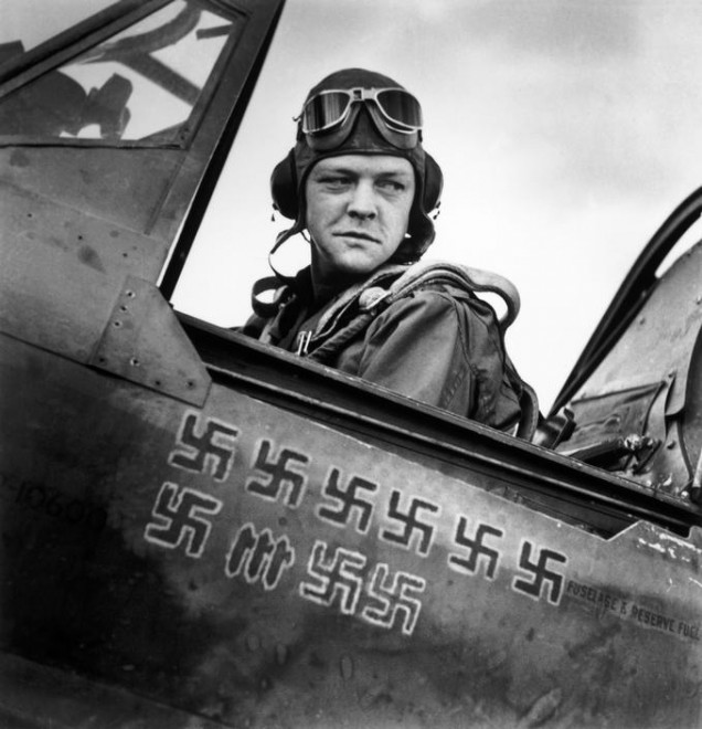 TUNISIA.-April-1943.-American-pilot.-636x660