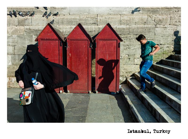 Istanbul-Shadow-Boy-Pigeon
